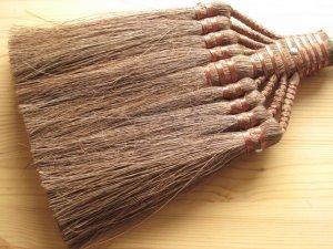 画像2: 和歌山・海南市・伝統手工芸品/棕櫚(シュロ)鬼毛長柄9玉ほうき/ほうき